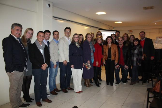 Representantes das entidades no Encontro Grupo Gestor da Gastronomia e Chefs no IFSC